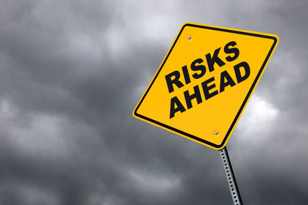 Schild - Risks Ahead
